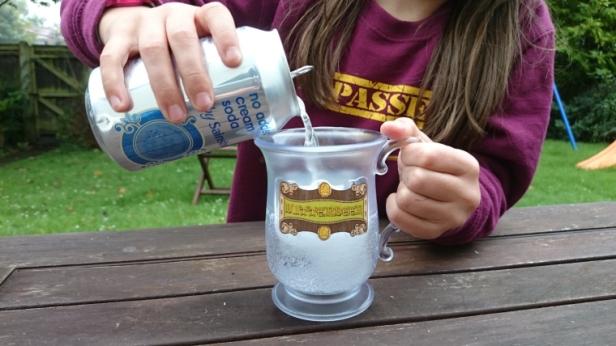 cream-soda-being-poured-into-tankard